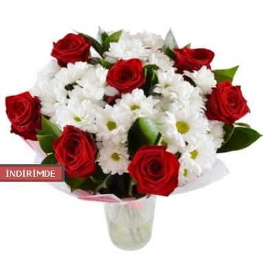 7 kırmızı gül ve 1 demet krizantem  Samsun online çiçek gönderme sipariş